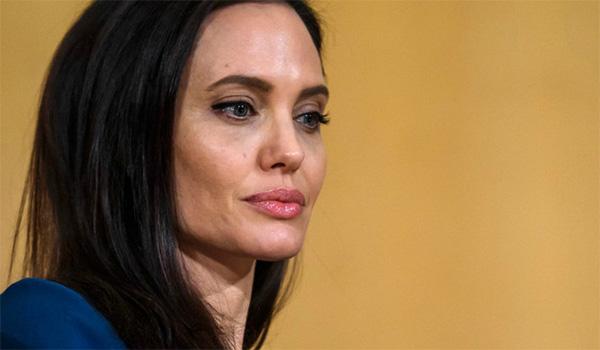 Бред Пит ѝ нанесе нов удар на Анџелина: Актерката излезе од колосек кога го дозна ова