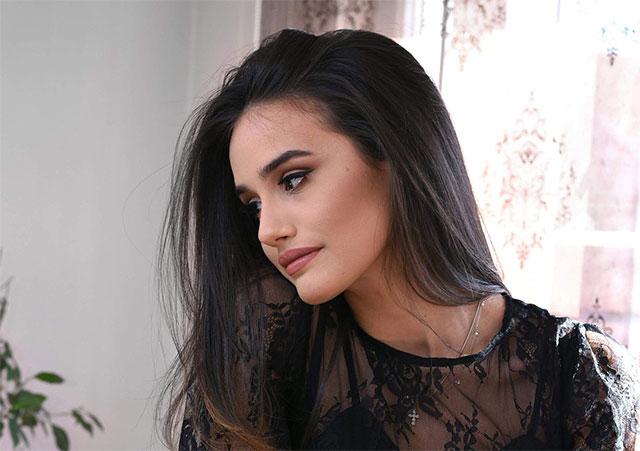 Таа е млада и убава, а тој опасен фраер – момчето на Ева Заева изгледа неверојатно привлечно на социјалните мрежи