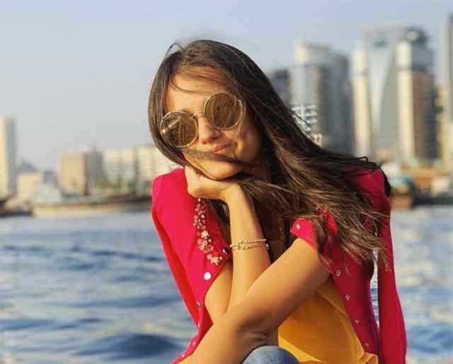 Ева Заева се соблече и ги запали социјалните мрежи