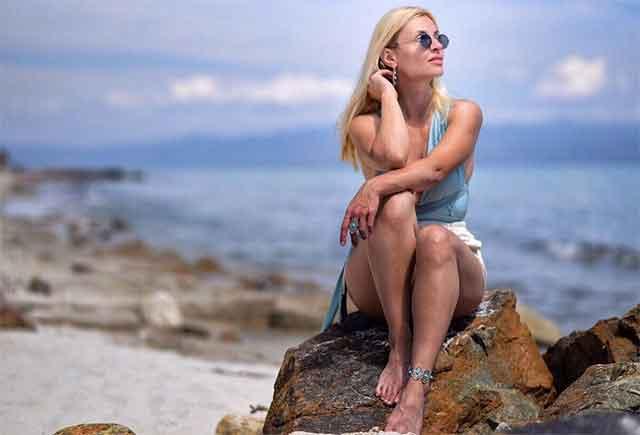 Ќерката на Велија Рамковски во бикини го освои Инстаграм – покажа колку е еластична и ги воодушеви сите со своето убаво тело