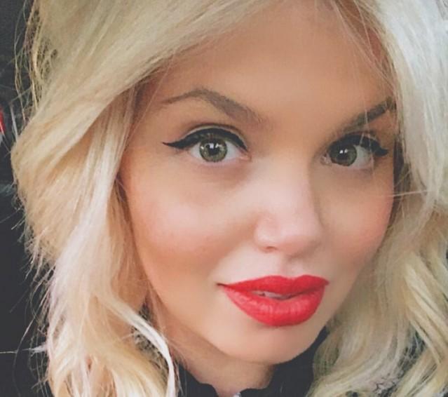 Таа една година не ја бришеше шминката и еве што се случи со нејзиното лице