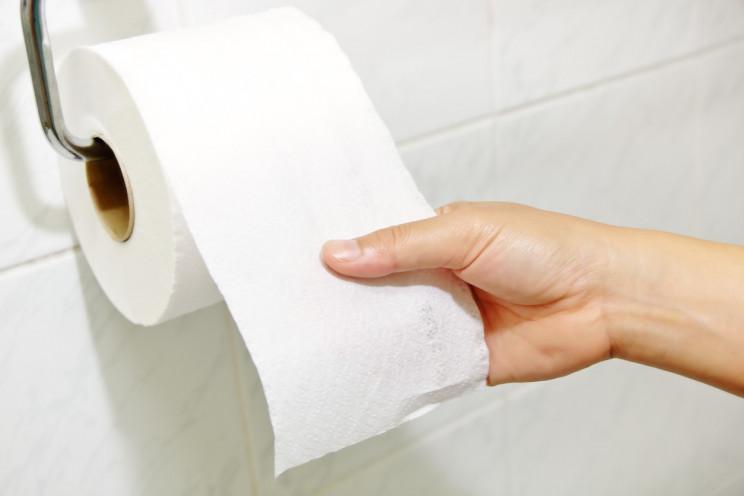 Докторите со апел: Престанете да користите тоалетна хартија, штетна е
