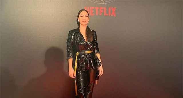 Познатата турска актерка се породи