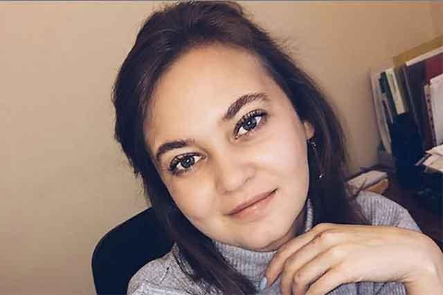 Ана беше државна службеничка се додека не се појавија нејзините фотографии – сега нема каде да живее и татко и не сака да ја види