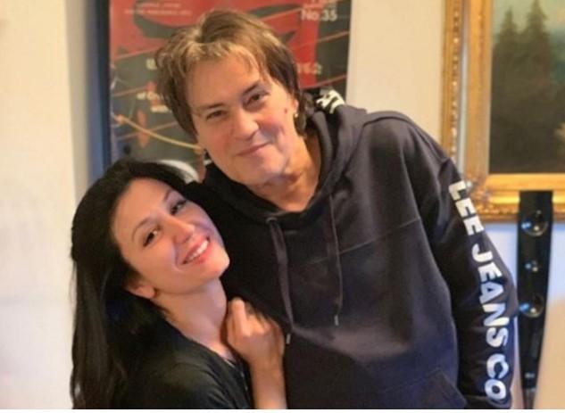 Калембер се разведе од 30 години помладата Ана, сите велеа дека е поради измама: Музичарот ја откри вистината по 6 години!