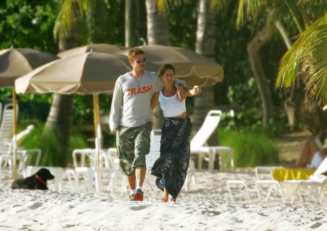 Далеку од сите: Бред и Џенифер повторно заедно на одмор