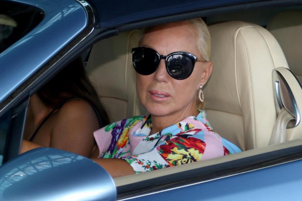 Ужива во вила од милион долари во Мајами - Брена го покажа својот луксузен втор дом