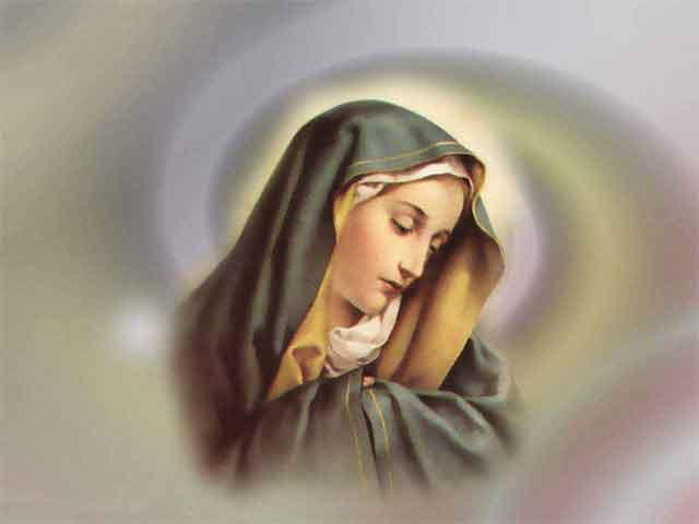 Оваа чудесна фотографија направена во Божји храм го запали интернетот – погледнете што прави Богородица пред нозете на Исус!