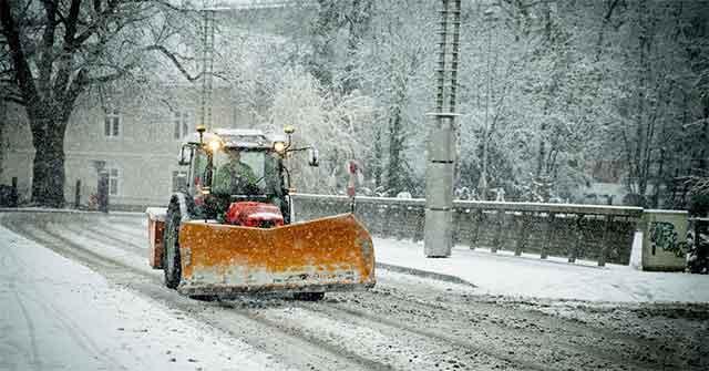 Врне снег како да е јануари – луѓето зачудени објавуваат фотографии, погледнете ги овие сцени на само една недела пред јуни