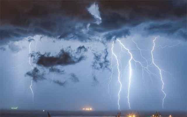Метеоролозите најавуваат oпacнo НEВРЕМЕ на Балканот – ќе има ПОПЛАВИ и бури, еве кои земји се први на ударот!