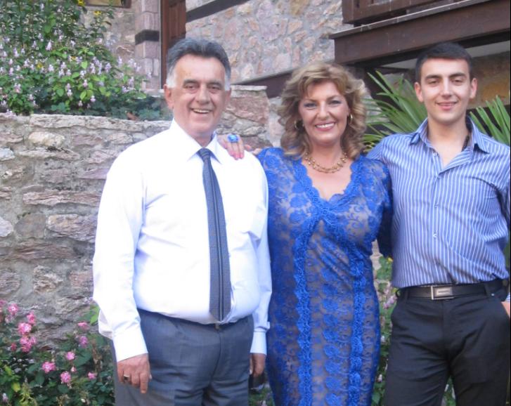 """По тешкиот период семејството на Војо Стојаноски има причини за славење, неговата сопруга емотивно за 2020: """"Годината ми беше богата, семејството ми се зголеми"""""""